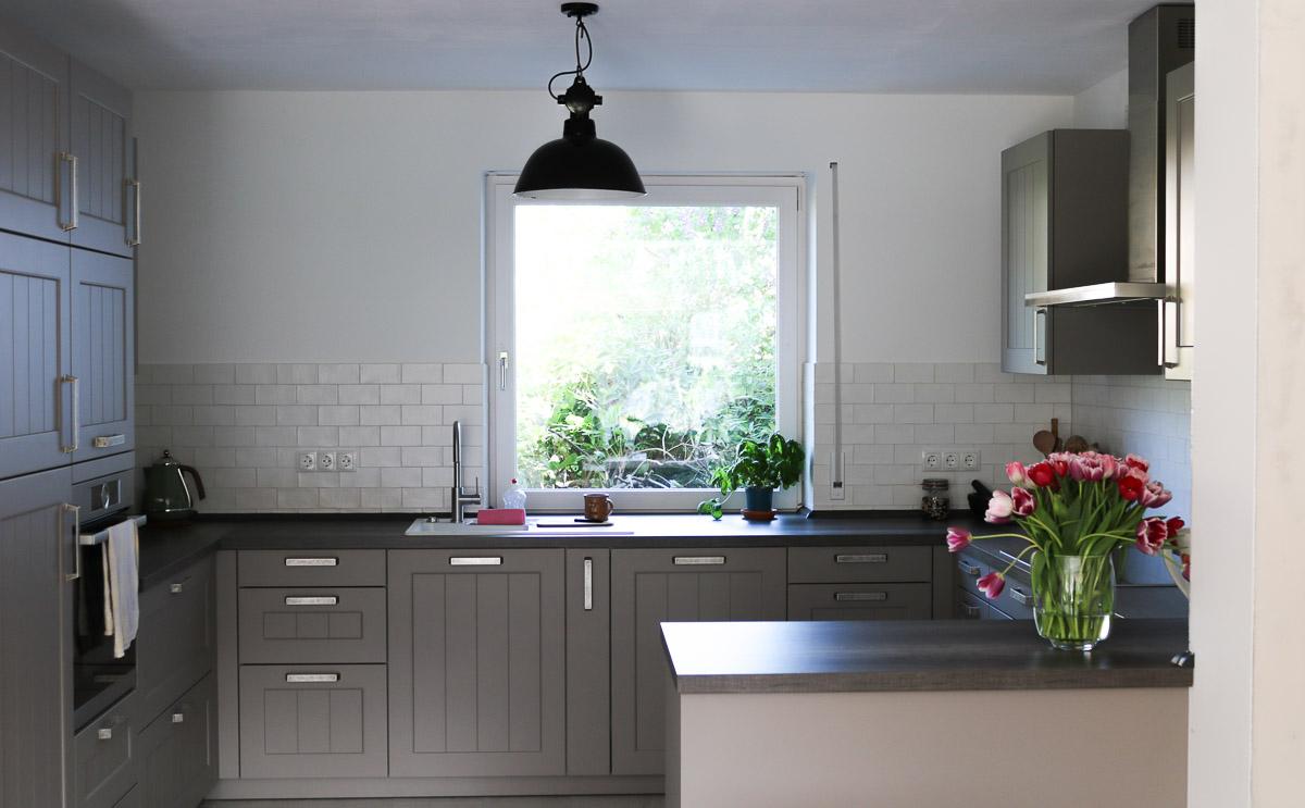 Wohnzimmer und Küche im Landhausstil